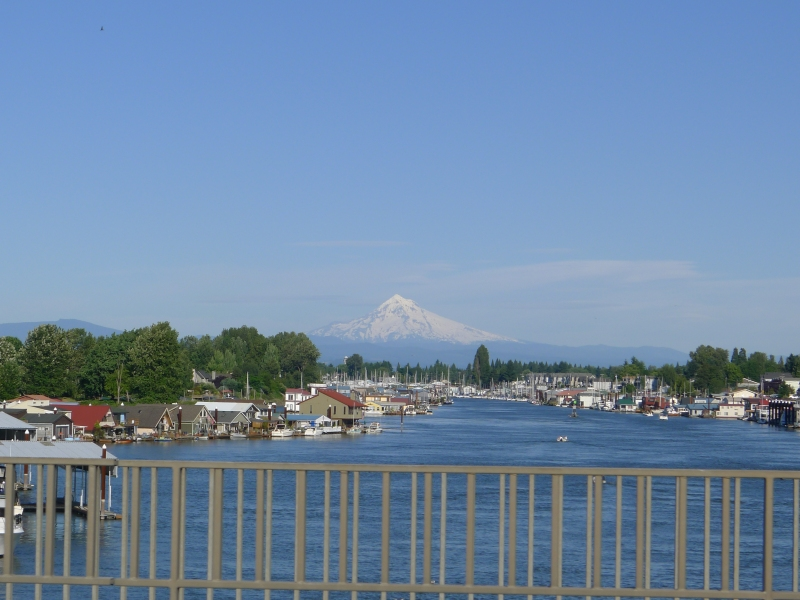 A view of Mt. Hood and a bunch of floating houses on the way to the concert