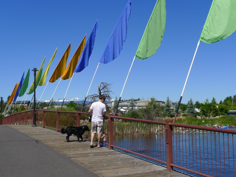 Jeff and Coop checking out the kayakers on the Deschutes River