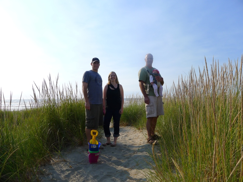 Cory, Lori, Dad and Macy near the Pacific in Seaside (and yes, I had a smudge on my camera lens)