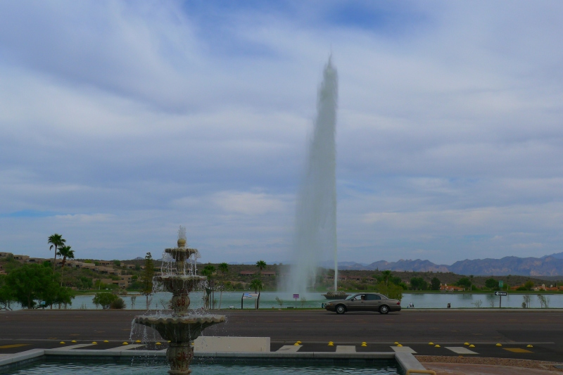 The hourly fountain action at Fountain Park
