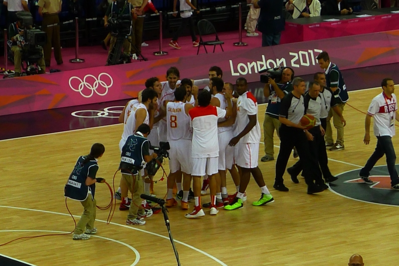 Spain wins, thanks to a stellar performance by Pau Gasol