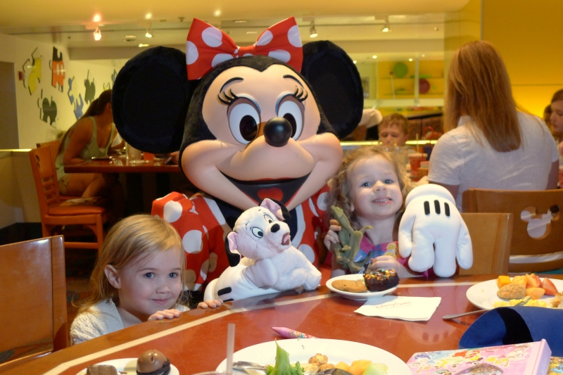 One last visit with Minnie at Chef Mickey's