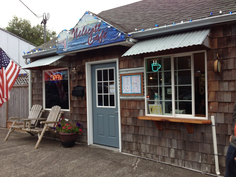 How cute is this little restaurant in Lincoln City?