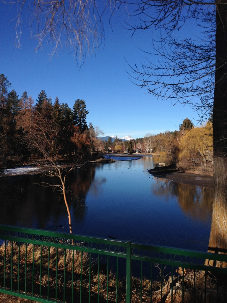 Mirror Pond on Deschutes River: the inspiration for my fave Mirror Pond Pale Ale from Deschutes Brewery