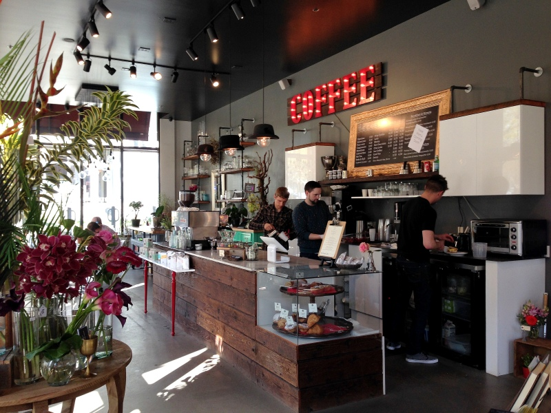 Mixing coffee, flowers and interior design - brilliant!
